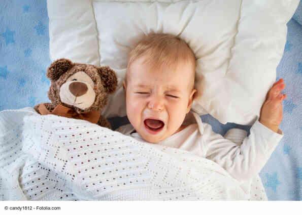 Baby will nicht schlafen und weint